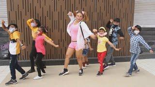 Gym Ke Bahar Rakhi Sawant Ne Kiya Bachon Ke Sath Dance