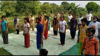 बारापुल्लाह फ्लाईओवर के नीचे बने स्कूल में भी बच्चों ने मनाया 'योग दिवस'