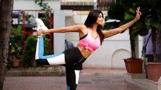 Supre Dancer 4 Ki Judge Shilpa Shetty Ka Yoga Pose, Spotted Video