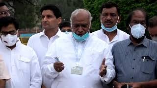 Shri Mallikarjun Kharge and Shri Anand Sharma addresses media at Vijay Chowk
