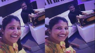 Robert kanne adirindi fame Mangli sings with Arjun Sarja | Mangli