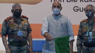 Rajnath Singh Flags Off Mountain Expedition Of Indian Army Team   Catch News