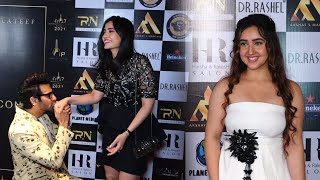 Karan Veer Mehra With Wife & Ashnoor Kaur At International Iconic Awards Season 7