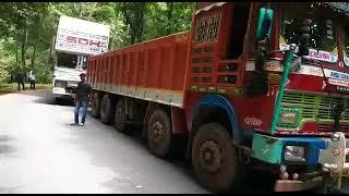 Lorry breakdown on Karmal ghat cases massive traffic jam