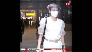Sneha Ullal spotted at Mumbai airport