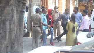 Shahrukh Khan Ke Bete Aryan Khan Ko NCB Hospital Lekar Gayi, Test Karwane