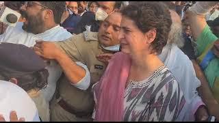 भाजपा की तानाशाही हुकूमत की पुलिस द्वारा श्रीमती प्रियंका गांधी जी को हिरासत में लेना निंदनीय है