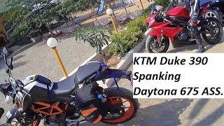 KTM Duke 390 Spanking Daytona 675 ASS. Clickbait.