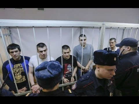 Russian police detain protesters outside trial over anti-Putin rally News Video