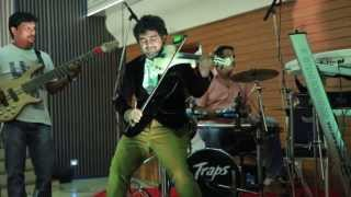 Abhijith Violin Live - 'Kal Ho Na Ho-Har Gadi'on Violin With His fusion Band