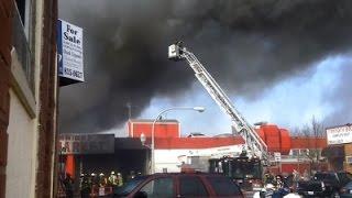 Raw: Massive Fire Destroys Chicago Flea Market