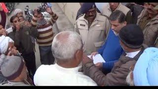 नोटबंदी के विरोध में सड़कों पर उतरी अखिल भारतीय किसान सभा