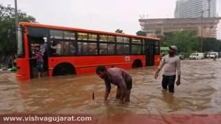 Heavy Rain in Delhi and NCR drains Capital City