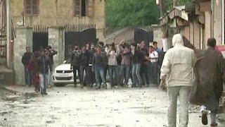 कुपवाड़ा में मौत पर हुर्रियत का प्रदर्शन, छात्रों ने फेंके पत्थर