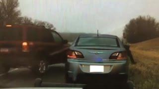 Minnesota Officer Dodges Moving Car