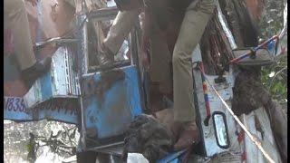 Unctronlled truck falls down from Krishna river bridge in Shamli, 2 died!