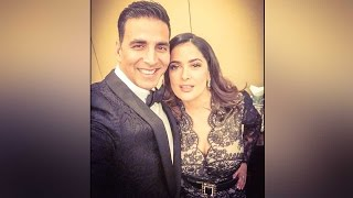 Akshay Kumar's selfie with Salma Hayek, calls it selfie of a Lifetime