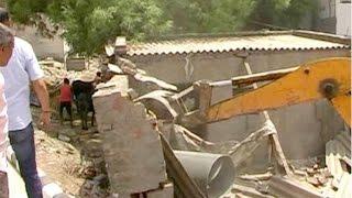 मैट्रो अधिकारीयों को घर देने के लिए हुडा विभाग ने गरीबों के आशियाने उजाड़े