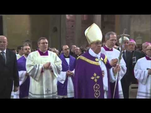 Raw- Pope Performs First Ash Weds. As Pontiff News Video