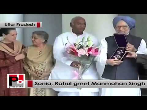 Sonia Gandhi, Rahul Gandhi greet Manmohan Singh for his top Japan national award