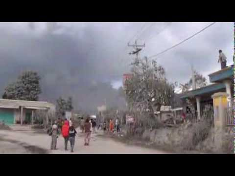 Donesia Volcano in New Eruptions News Video