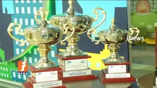iNews Director PVS Prasad & Director Ravi Babu Giving Awards To Ten Pin Bowling Winners In Hyderabad