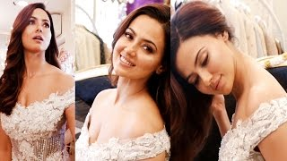 H0t Actress Sana Khan At Dimple Amrin's Boutique Launch
