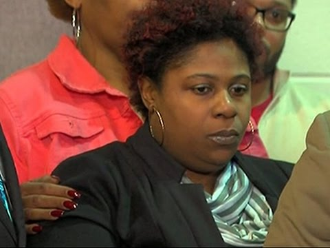Mother Asks for Apology in Tamir Rice's Death News Video