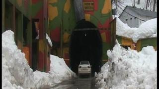 2 सप्ताह बाद खुला जम्मू श्रीनगर हाईवे