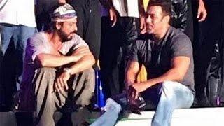 Shahrukh Khan & Salman Khan Dil Dosti & Yaariyaan @ TOIFA Awards 2016