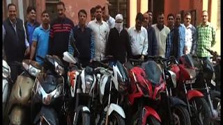 दिल्ली - बाइक चोरी कर OLX पर बेचता था MBBS डॉक्टर