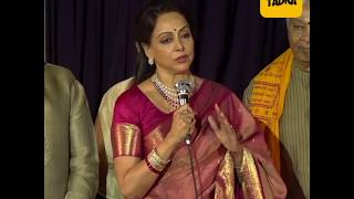 Hema Malini releases her album along with pregnant daughter Esha Deol