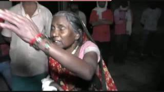बलिया - सपा कार्यकर्ताओ की गुंडागर्दी ,मोदी को वोट देने पर फूंकी दलित बस्ती