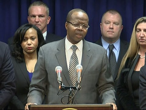 Prosecutor- Guns Smuggled Aboard US Airliners News Video