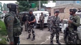 Gunfight underway in Pulwama village, Abu Dujana of Lashkar reportedly trapped