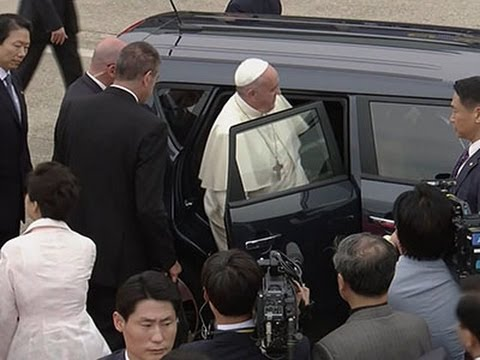 Raw: Pope Picks Surprising Ride for SKorea Trip - News Video