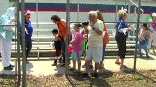 Fla. Easter Egg Hunt Caters to Blind Children News Video