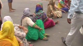 एक हफ्ते से नहीं आ रहा घरों में पानी, सड़क पर उतरी महिलाएं