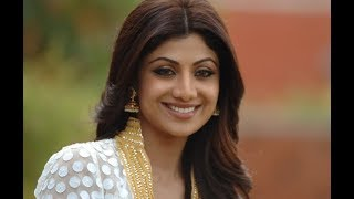 Shilpa Shetty turns thief for her son!