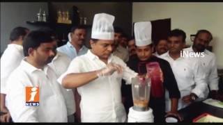 Minister KTR Works In Ice Cream Parlour | Sells Ice Cream To Raise Funds For Party Plenary | iNews