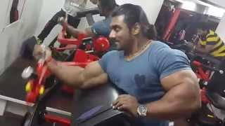 Sangram chougule arms workout at physc gym talegaon !!