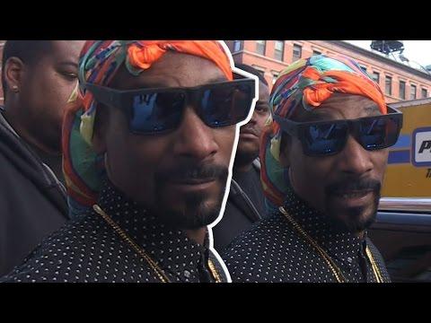 Snoop Dogg Pulls 'Deez Nuts' Joke On Our Photog!