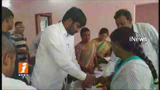 GHMC Dy Mayor Baba Fasiuddin Distribute Bathukamma Sarees In Hyderabad | iNews