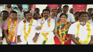 Dharna in Makthal on New Districts   Mahabubnagar   iNews