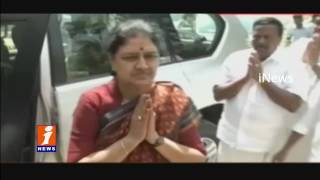 Sasikala Pays Tributes To MGR On Way Going To Bangalore Jail | Tamil Nadu | iNews
