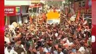 अमीत शाह और योगी के रोड शो के दौरान भगवामय हुआ गोरखपुर