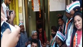 नोटबंदी के बाद से ATM में नहीं आये पैसे, कांग्रेस ने ATM का किया क्रियाकर्म