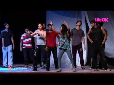 Rithvik Dhanjani & Elli Avram on 'Life OK Now Awards', May 31 at 8pm