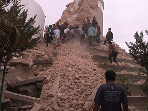 Raw- Powerful Earthquake Rocks Nepal News Video