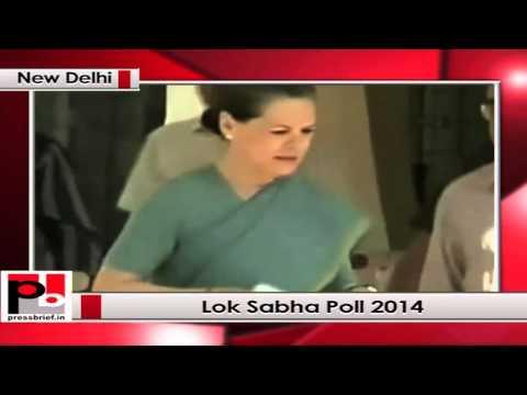 Sonia Gandhi votes for Lok Sabha polls 2014